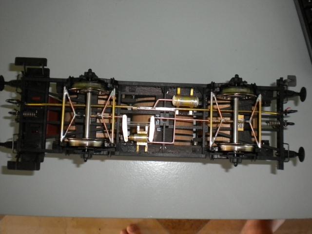 Fabrication du système de freinage sous un wagon tombereau  - Page 2 Dscn1351