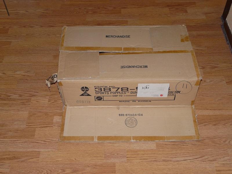 Cartons et conditionnements d'usine - Factory cases - Page 2 P1060715