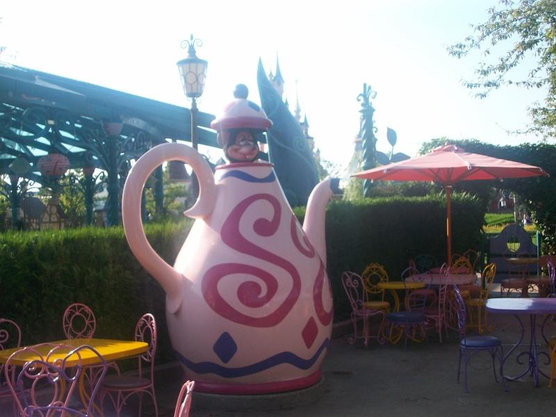 De la chaleur, des incivilités, une demande en fiançailles : bref, mon séjour à Disneyland Paris du 09 au 14 août ! - Page 3 100_1021