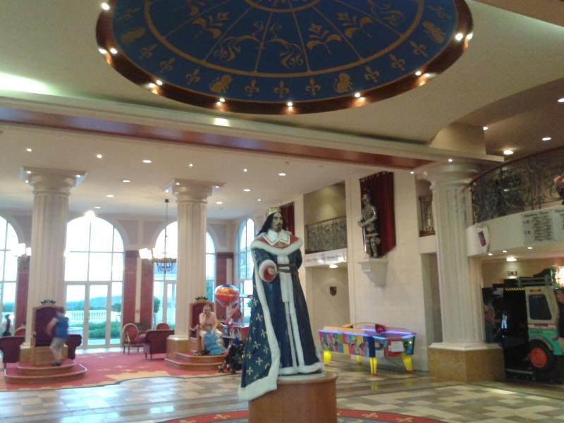 De la chaleur, des incivilités, une demande en fiançailles : bref, mon séjour à Disneyland Paris du 09 au 14 août ! 2012-012