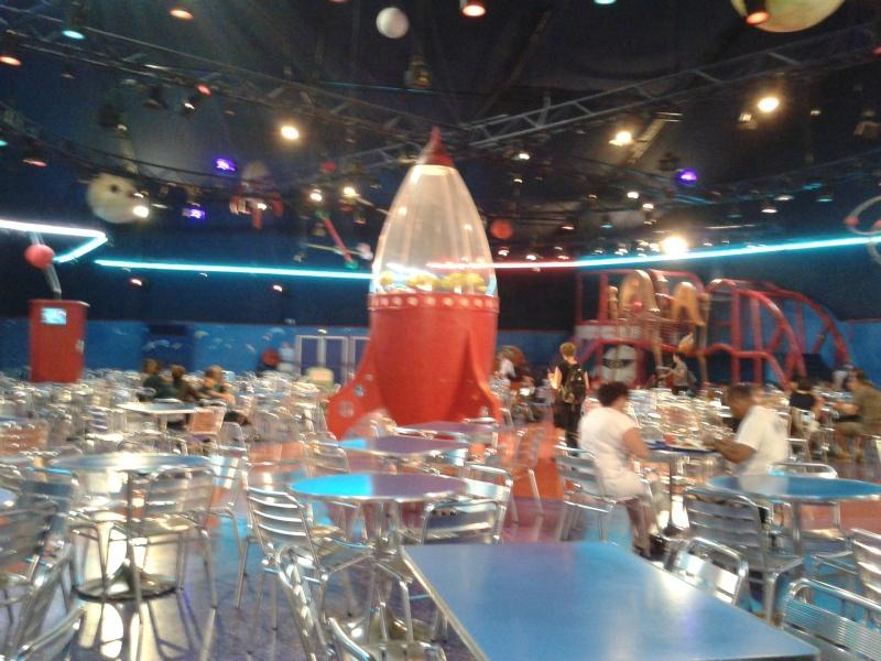De la chaleur, des incivilités, une demande en fiançailles : bref, mon séjour à Disneyland Paris du 09 au 14 août ! 2012-064