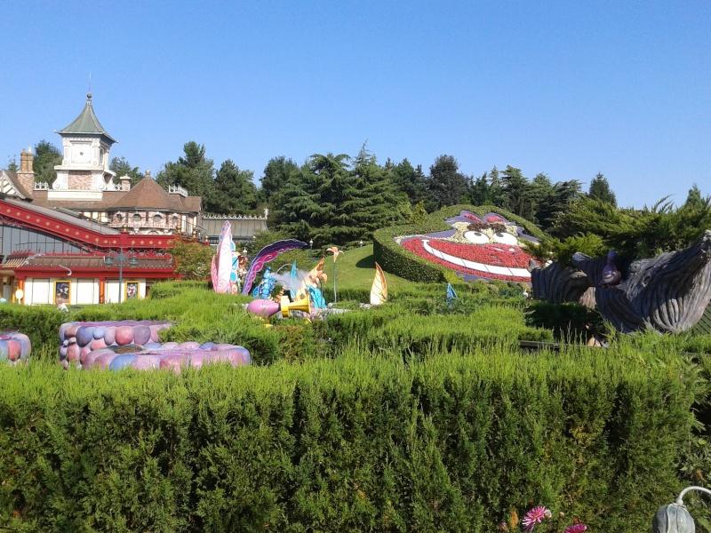 De la chaleur, des incivilités, une demande en fiançailles : bref, mon séjour à Disneyland Paris du 09 au 14 août ! - Page 3 2012-080