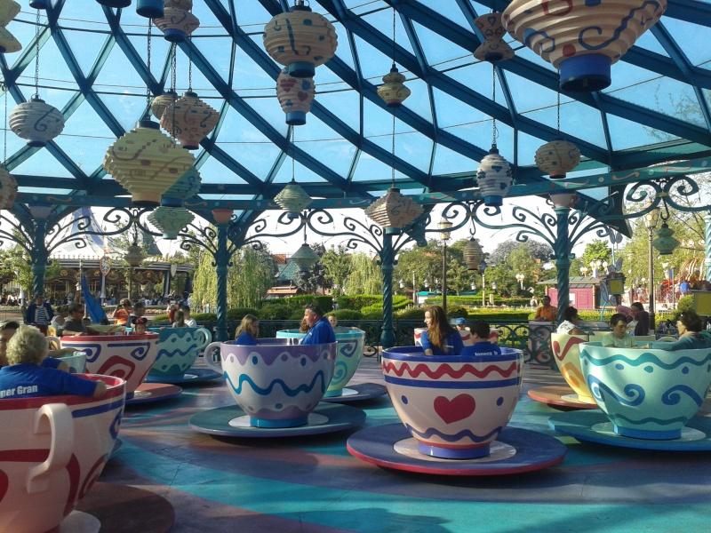 De la chaleur, des incivilités, une demande en fiançailles : bref, mon séjour à Disneyland Paris du 09 au 14 août ! - Page 3 2012-081