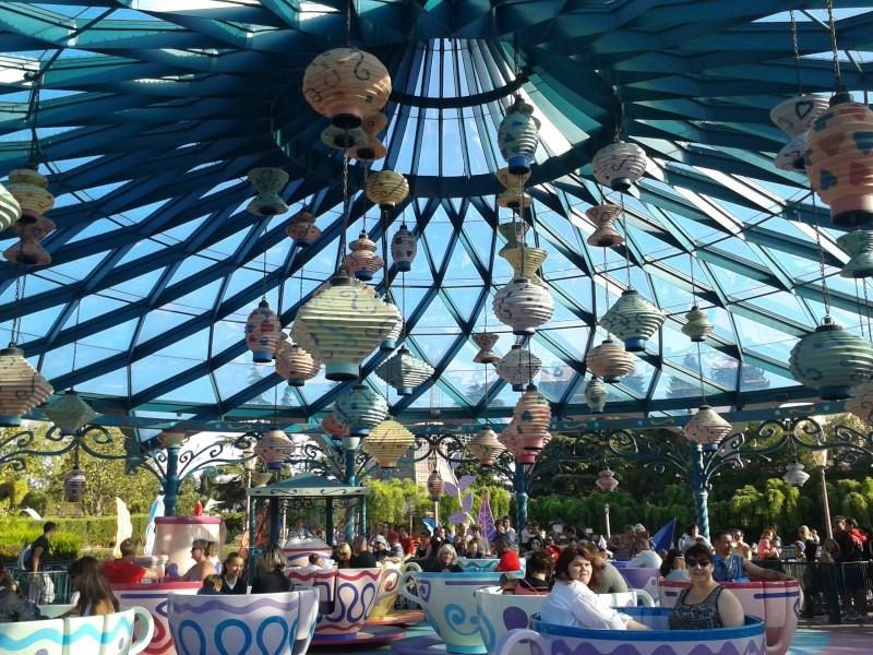 De la chaleur, des incivilités, une demande en fiançailles : bref, mon séjour à Disneyland Paris du 09 au 14 août ! - Page 3 2012-082