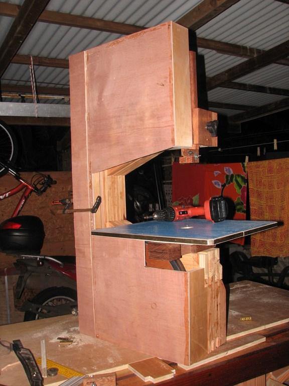 fabrication d'une Scie à ruban en bois - Page 2 Img_4011
