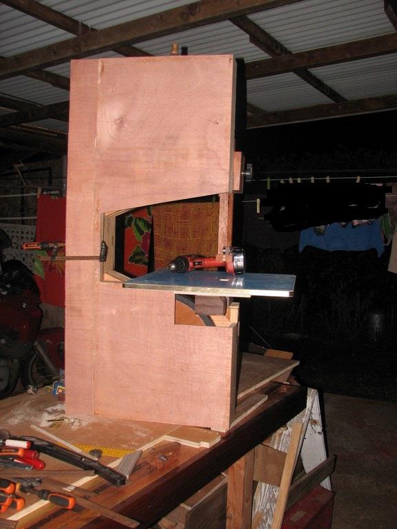 fabrication d'une Scie à ruban en bois - Page 2 Img_4012