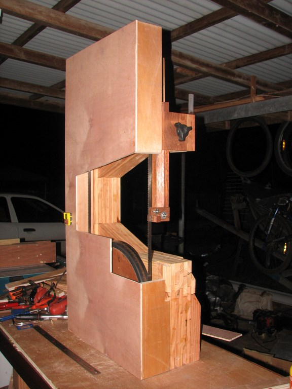 fabrication d'une Scie à ruban en bois - Page 2 Img_4015