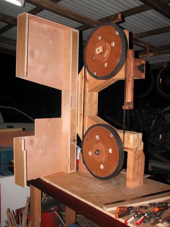 fabrication d'une Scie à ruban en bois - Page 2 Img_4019
