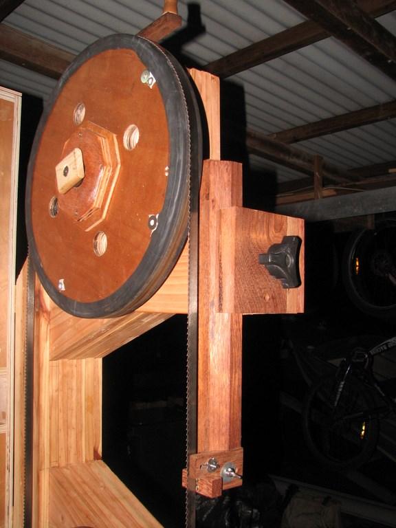 fabrication d'une Scie à ruban en bois - Page 2 Img_4020