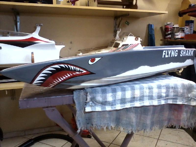 Flyng Shark (lancha de corrida) construtor Elcio. P21-0910