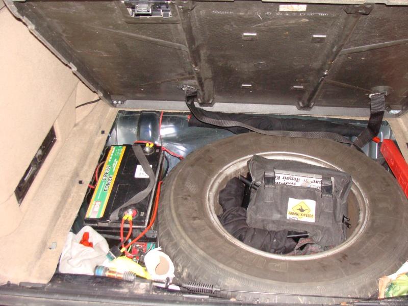 Pose d'une batterie auxilière dans un P38 Dsc02210