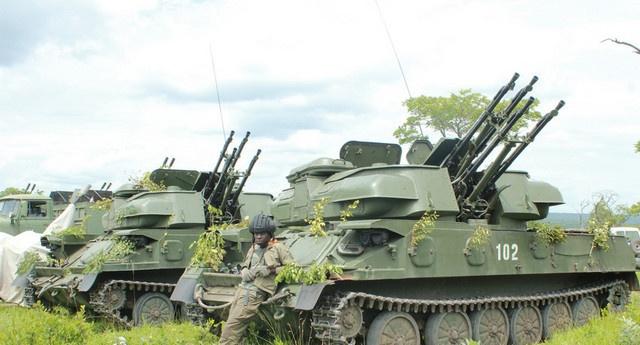 Armée Angolaise/Angolan Armed Forces - Page 4 02627110