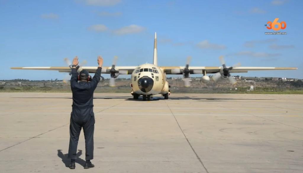 FRA: Photos d'avions de transport - Page 39 20200351