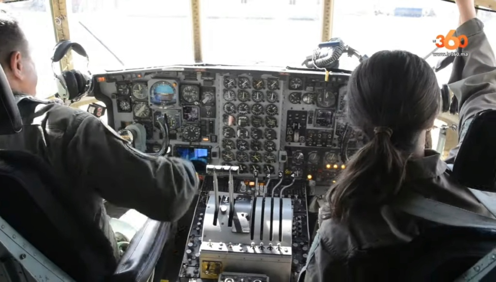 Tenues de vol / Equipements de nos pilotes - Page 3 20200356