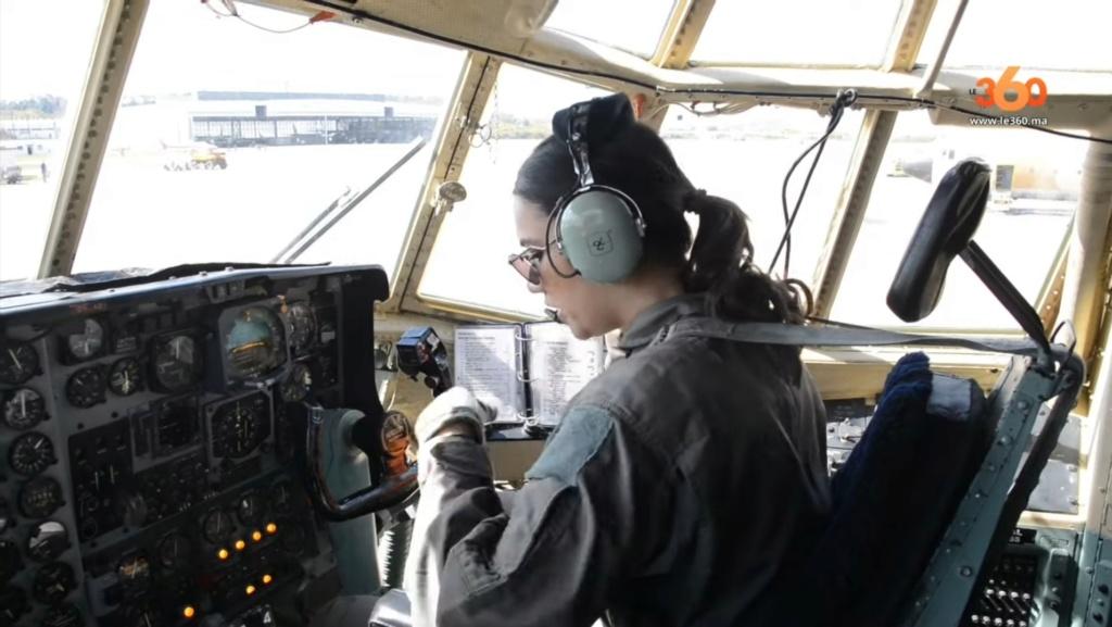 Tenues de vol / Equipements de nos pilotes - Page 3 20200357