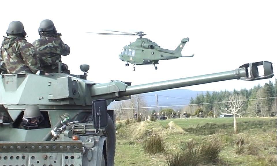 Armée Irlandaise/Irish Armed Forces - Page 3 42523410