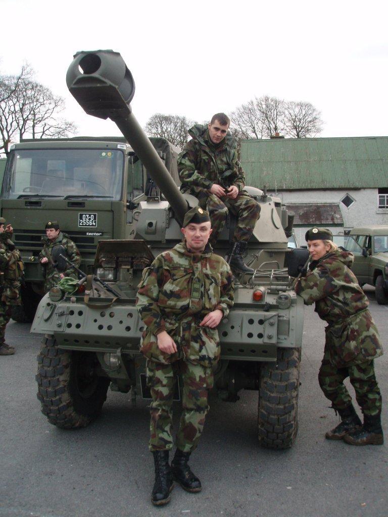 Armée Irlandaise/Irish Armed Forces - Page 3 42523511