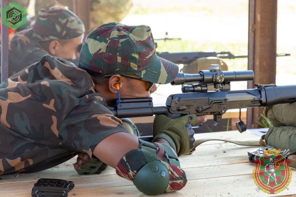 Photos de nos soldats et des Bases Marocaines - Page 7 7cs95x10