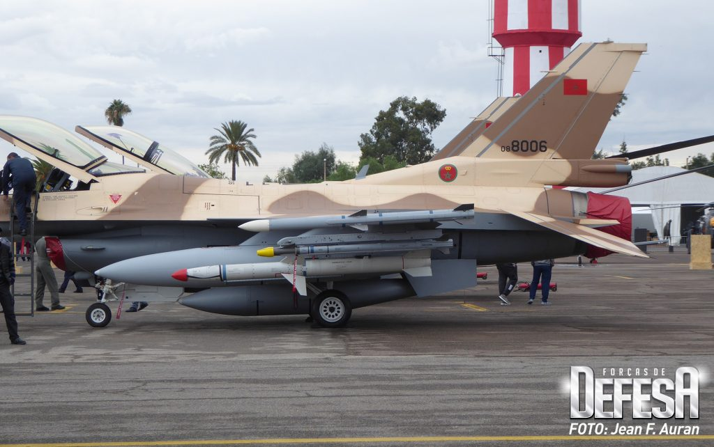 Photos RMAF F-16 C/D Block 52+ - Page 12 Armama10
