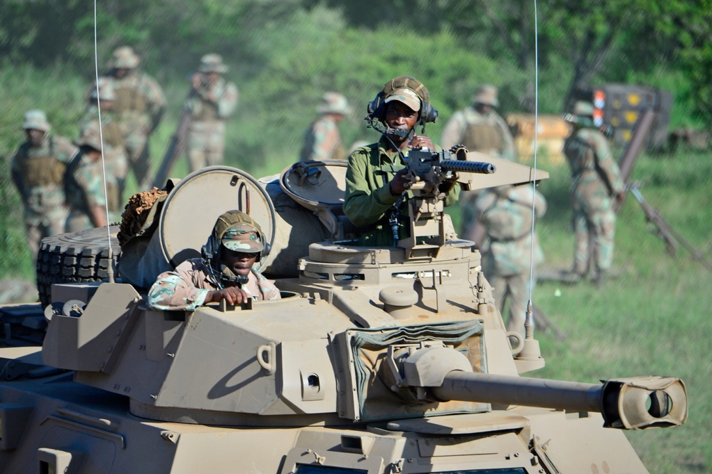South African National Defence Force (SANDF) - Page 12 Armed610