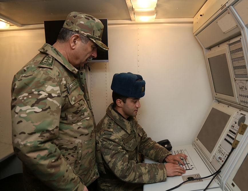 Armée Azeri / Azerbaijani Armed Forces / Azərbaycan Silahlı Qüvvələri - Page 13 E1b7ec10