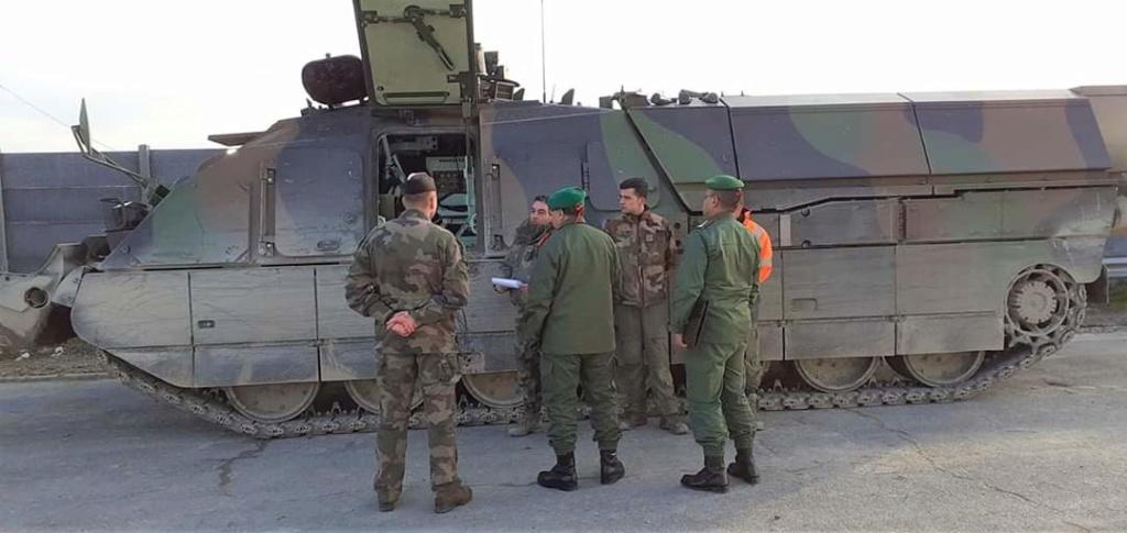 Coopération militaire Maroco - Française  - Page 4 Fb_im106