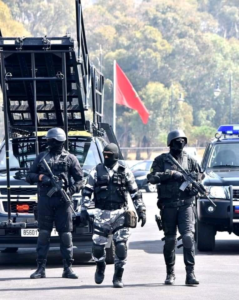Moroccan Special Forces/Forces spéciales marocaines  :Videos et Photos : BCIJ, Gendarmerie Royale ,  - Page 16 Fb_img67