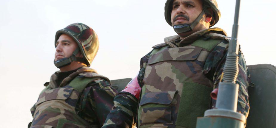 Photos de nos soldats et des Bases Marocaines - Page 7 Mapph_11