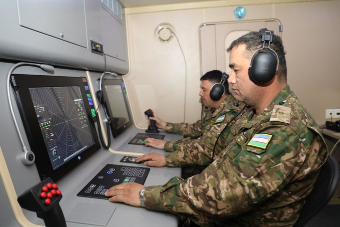 Armée Ouzbek / Uzbekistan's armed forces Nxuwig10