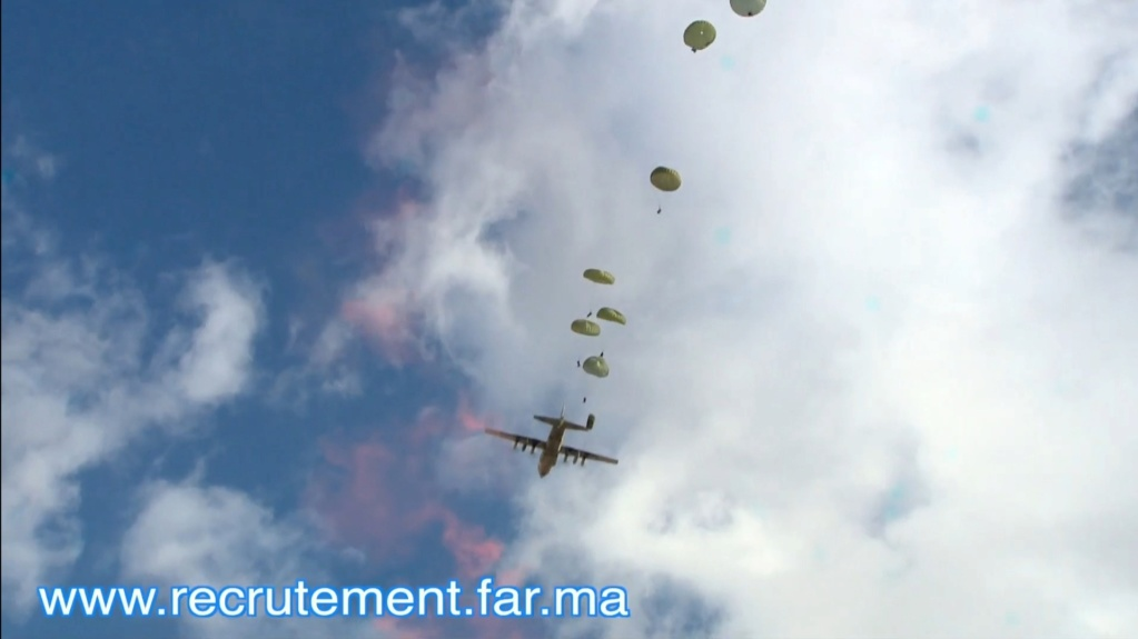 Parachutistes Militaires Marocains / Moroccan Paratroopers - Page 14 Scree128