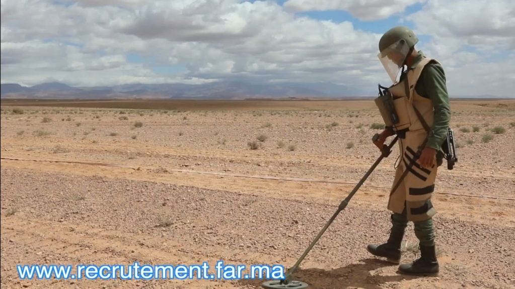 Genie Militaire dans les FAR / Moroccan Army Engineers - Page 2 Scree151