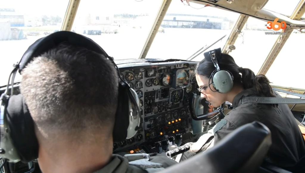 Tenues de vol / Equipements de nos pilotes - Page 3 Screen52