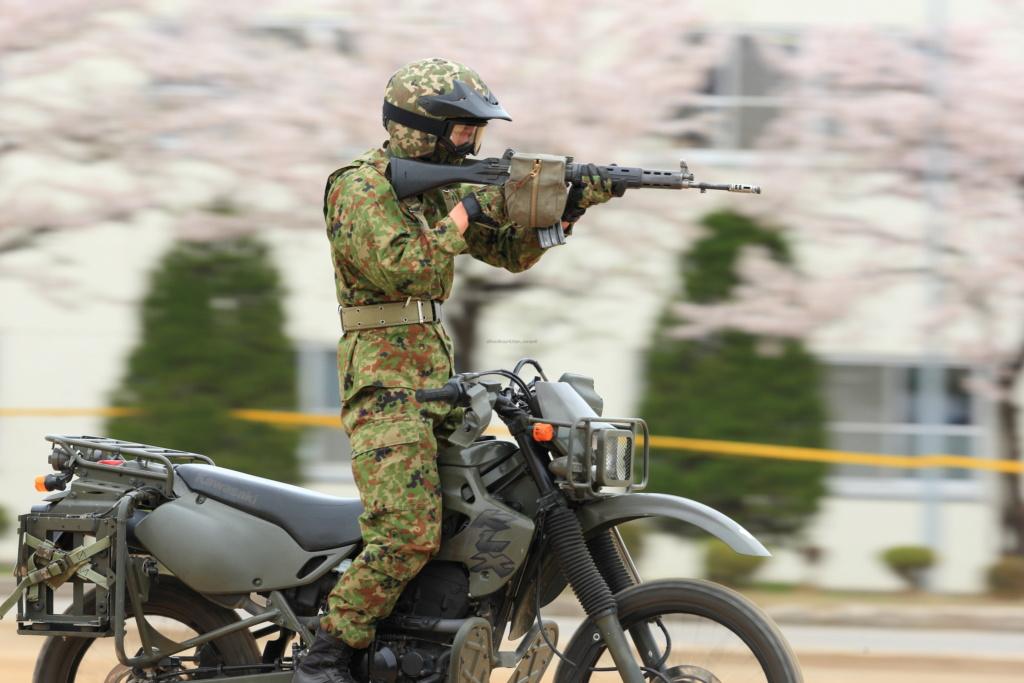 Armée Japonaise/Japan Self-Defense Forces - Page 30 Soku_110