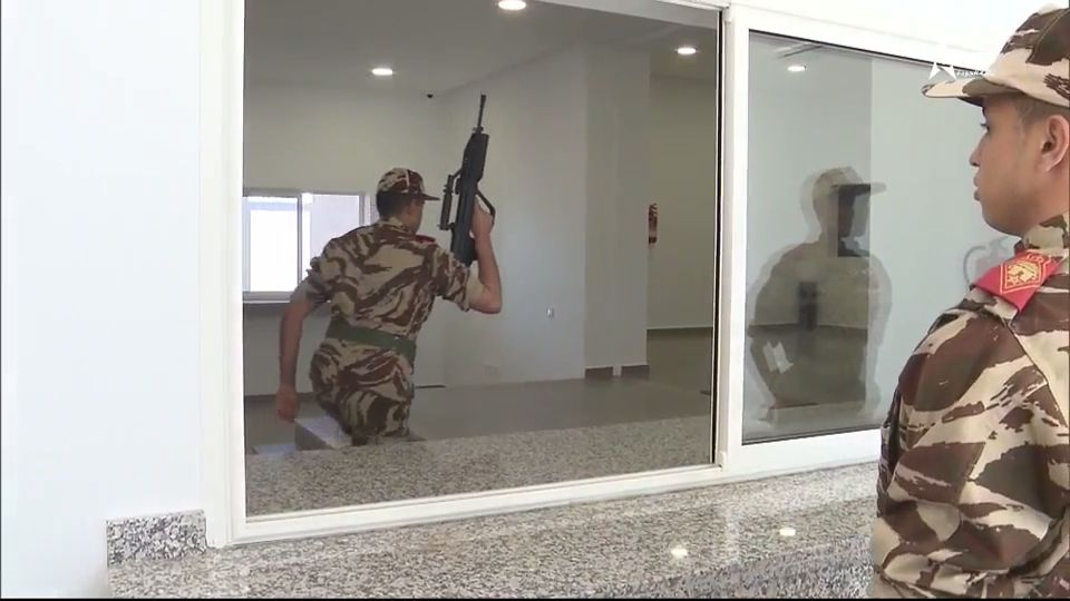 Armes d'Infanterie chez les FAR / Moroccan Small Arms Inventory - Page 8 Videoc21