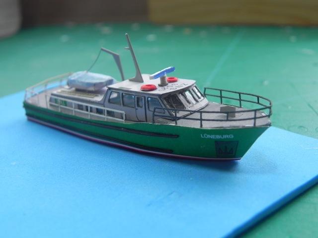 Hafenfahrzeuge 1 von HMV 1:250 Dscn3432