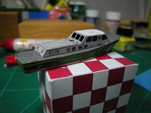 Hafenfahrzeuge 1 von HMV 1:250 Dscn4924