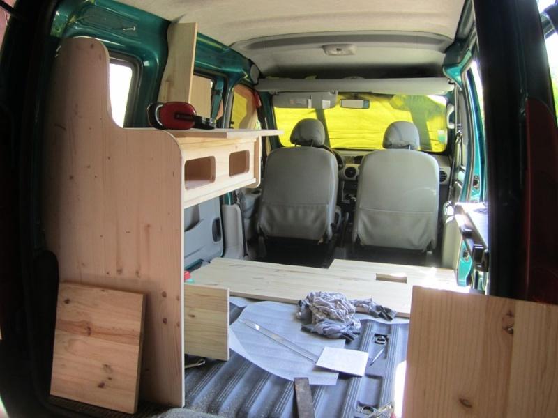 Aménagement intérieur dans un kangoo 1 211
