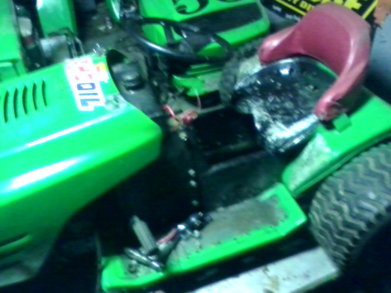 my lime green raceing lawn mowers  Green_17