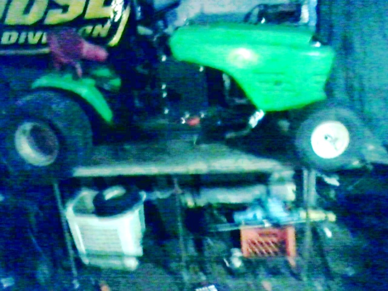 my lime green raceing lawn mowers  Green_18