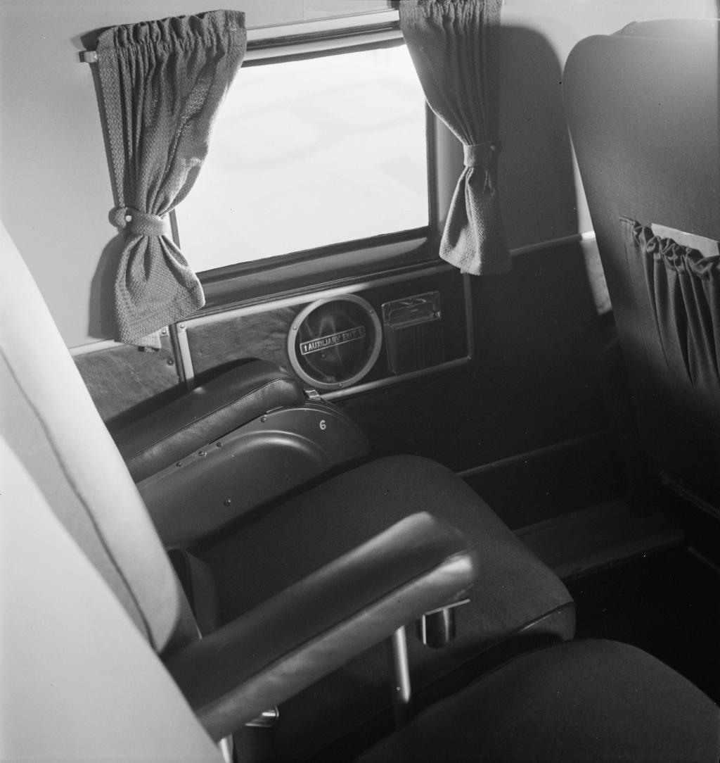 """[CONCOURS """"Ca brille""""] DC-3 Swissair 1937 - ITALERI- 1/72 Lbs_sr30"""