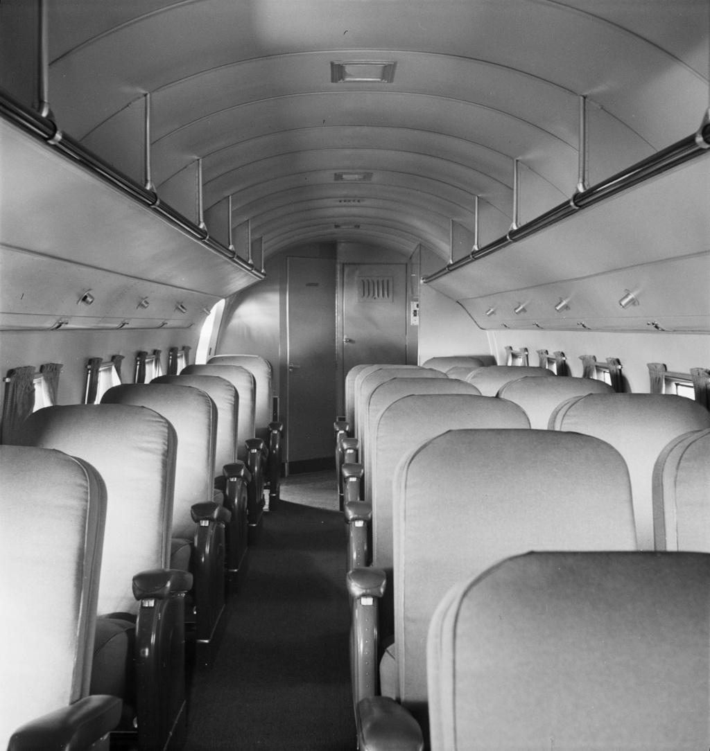 """[CONCOURS """"Ca brille""""] DC-3 Swissair 1937 - ITALERI- 1/72 Lbs_sr32"""