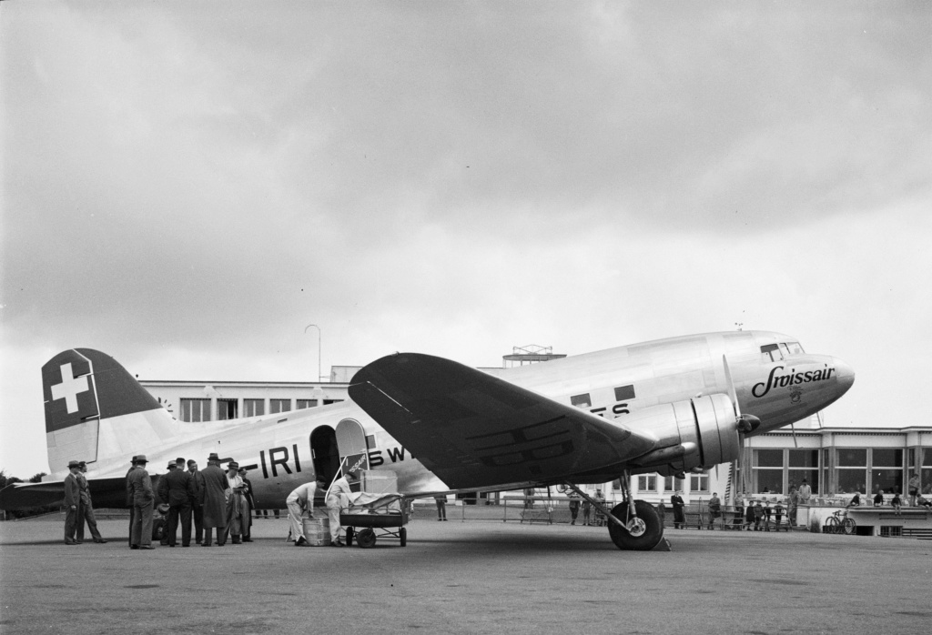 "[CONCOURS ""Ca brille""] DC-3 Swissair 1937 - ITALERI- 1/72 - Page 6 Lbs_sr52"