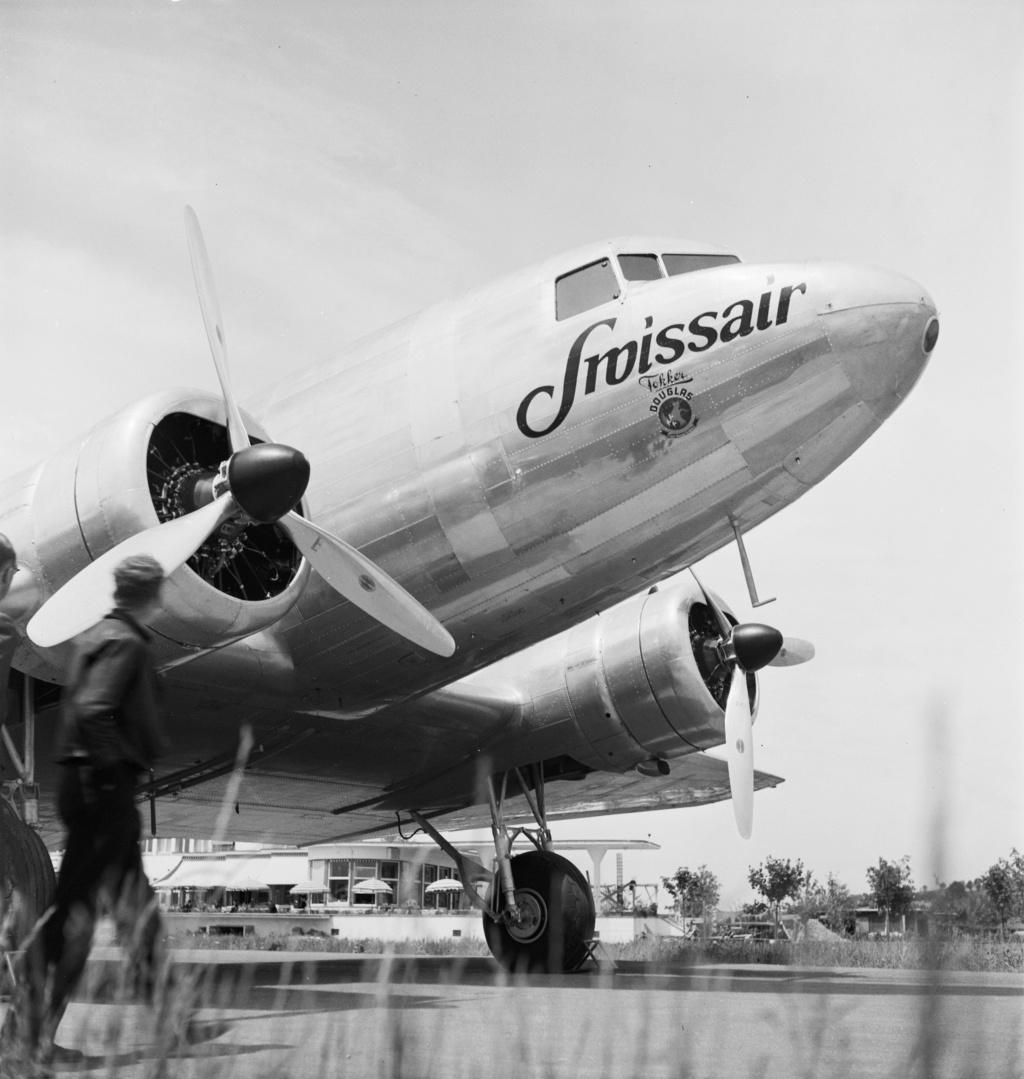 "[CONCOURS ""Ca brille""] DC-3 Swissair 1937 - ITALERI- 1/72 - Page 6 Lbs_sr54"