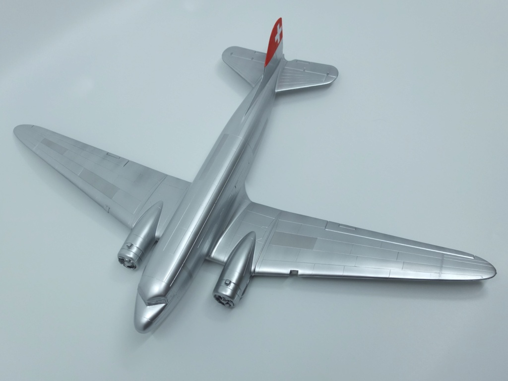 "[CONCOURS ""Ca brille""] DC-3 Swissair 1937 - ITALERI- 1/72 - Page 7 S0021710"
