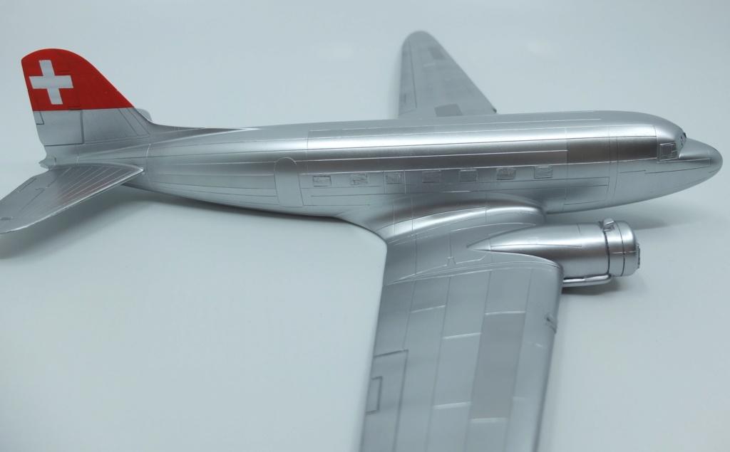 "[CONCOURS ""Ca brille""] DC-3 Swissair 1937 - ITALERI- 1/72 - Page 7 S0031711"