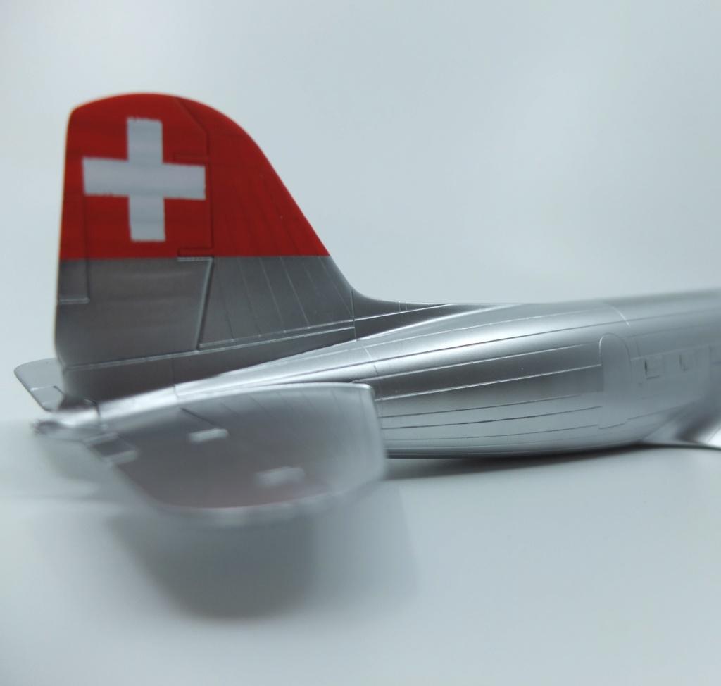 "[CONCOURS ""Ca brille""] DC-3 Swissair 1937 - ITALERI- 1/72 - Page 7 S0051711"