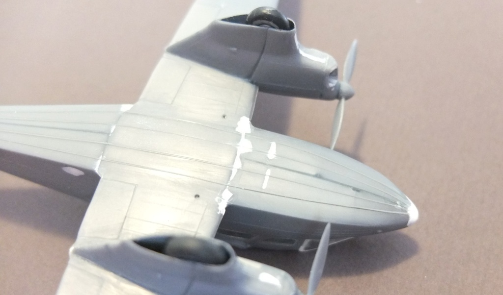 DH-89 Dragon Rapide - Swissair - Kit Heller 1/72 - Page 2 S0071313