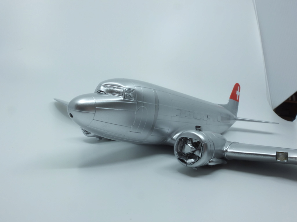 "[CONCOURS ""Ca brille""] DC-3 Swissair 1937 - ITALERI- 1/72 - Page 7 S0071711"