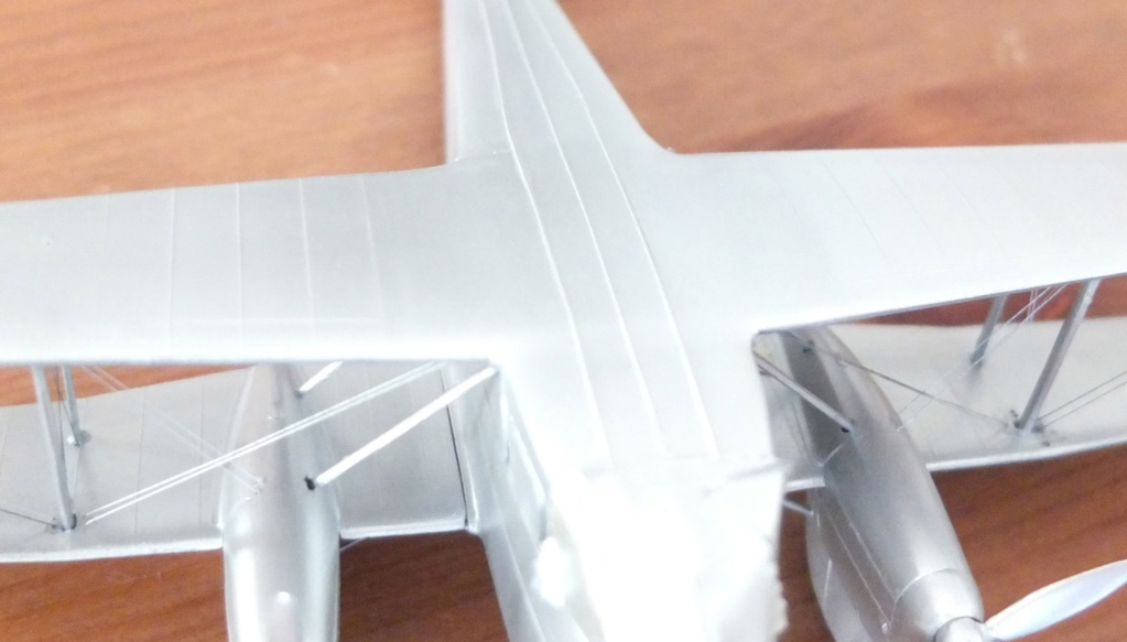 DH-89 Dragon Rapide - Swissair - Kit Heller 1/72 - Page 3 S0081412