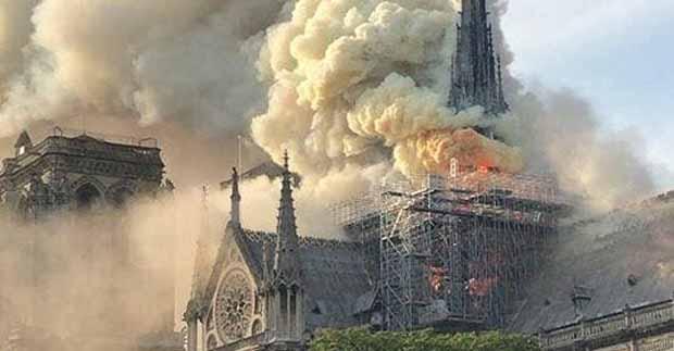 L'incendie de la Cathédrale Notre Dame de Paris Théorie du complot MAIS à qui profite le crime...... Notre-10